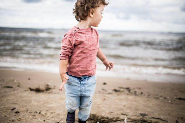 child beach holiday