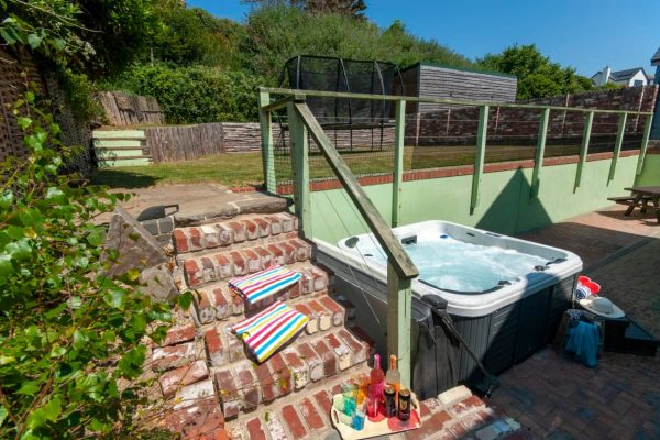 Y Bwlch - Holiday Cottage with hot tub